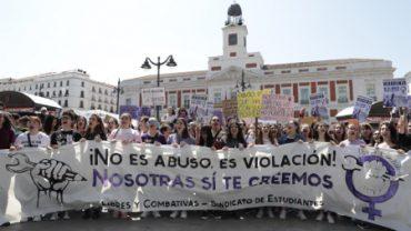 Miles de jóvenes de toda España protestan contra la sentencia de 'La Manada'