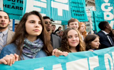 Un grupo de adolescentes lleva a juicio a la Administración de Trump