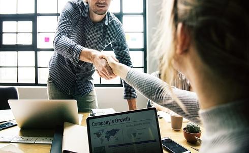 Las nuevas tecnologías y el dominio de idiomas son fundamentales para encontrar trabajo