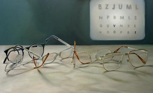 La miopía aparece antes debido al uso excesivo de dispositivos con pantallas