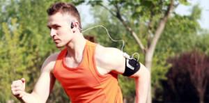 Unos auriculares seleccionan la música según tu ritmo cardíaco