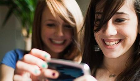jovenes-smartphones.jpg
