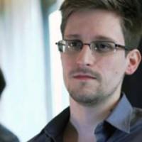Oliver Stone prepara un filme sobre Edward Snowden