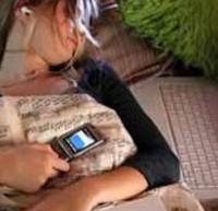 La luz del móvil o tablet perjudica el sueño