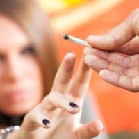 ¿Por qué los jóvenes consumen drogas?