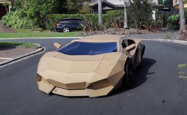 Lamborghini_carton.png