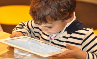 niño-tableta.png